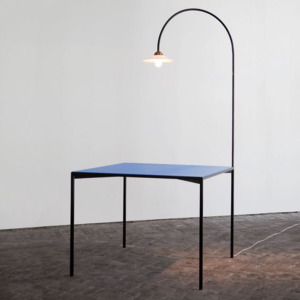 Muller van Severen table+lamp blau