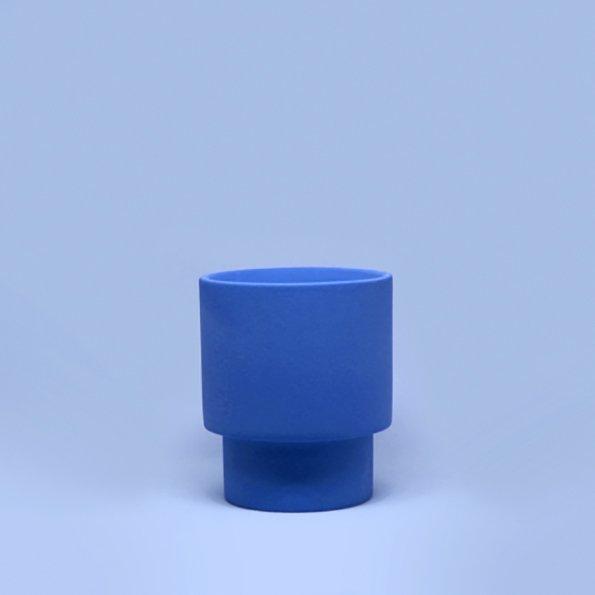 Vase blau von Romina Gris